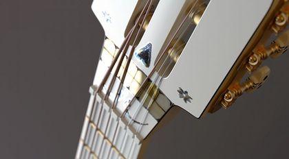 C4D平滑细分建模《寻梦环游记》吉他